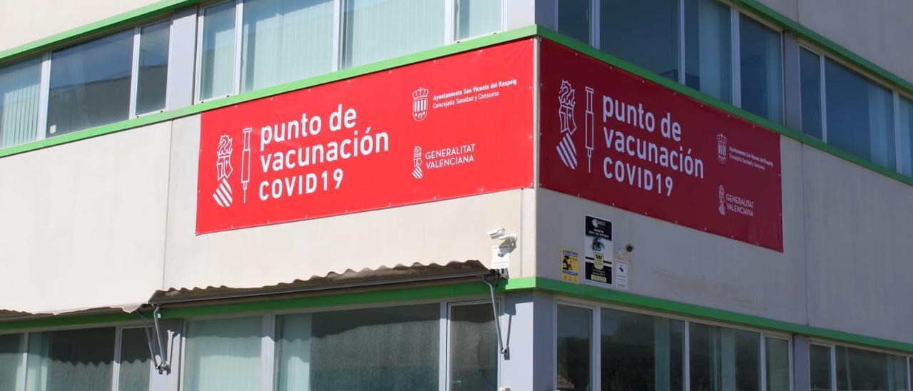 Carteles en el punto de vacunación