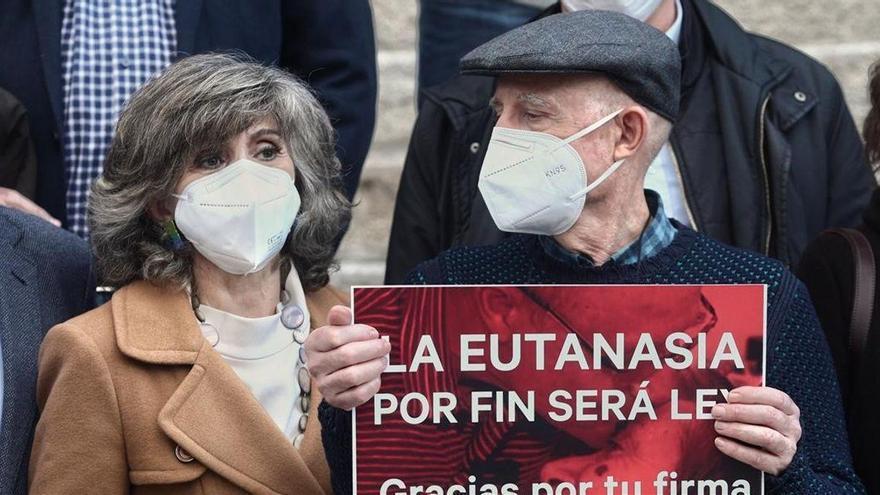 La ley de eutanasia supera el penúltimo trámite con su aprobación en el Senado