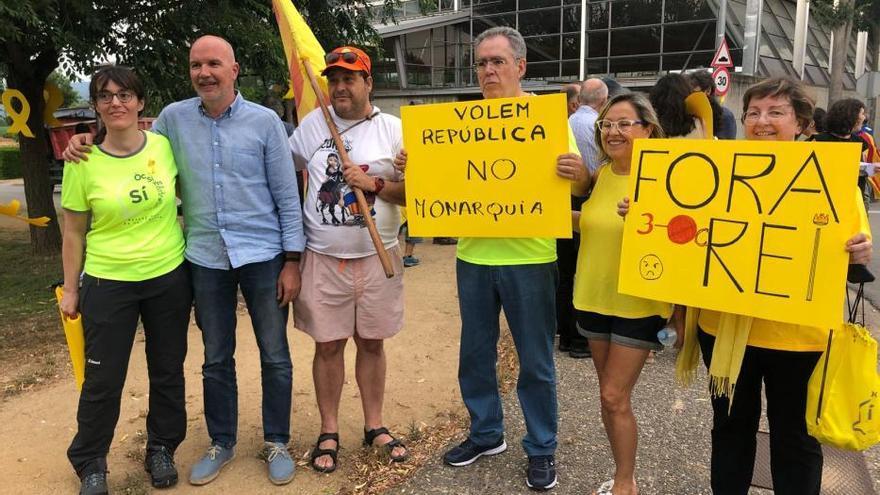 Tensió entre defensors i contraris a la presència del Rei a Girona