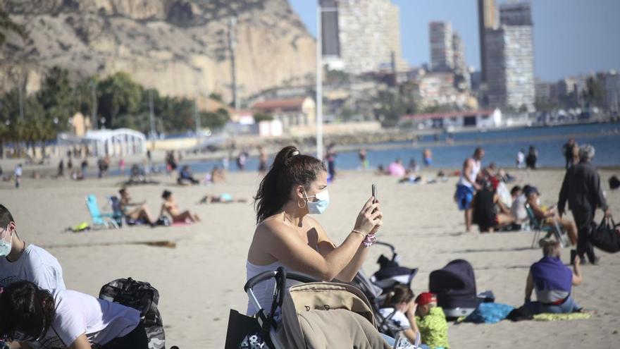 """""""España, ¿estás bien?"""": Un meteorólogo escocés alucina con la situación en la Península"""