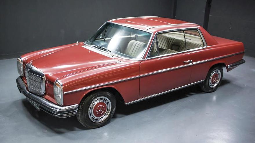 El Mercedes rojo de George Harrison, a subasta