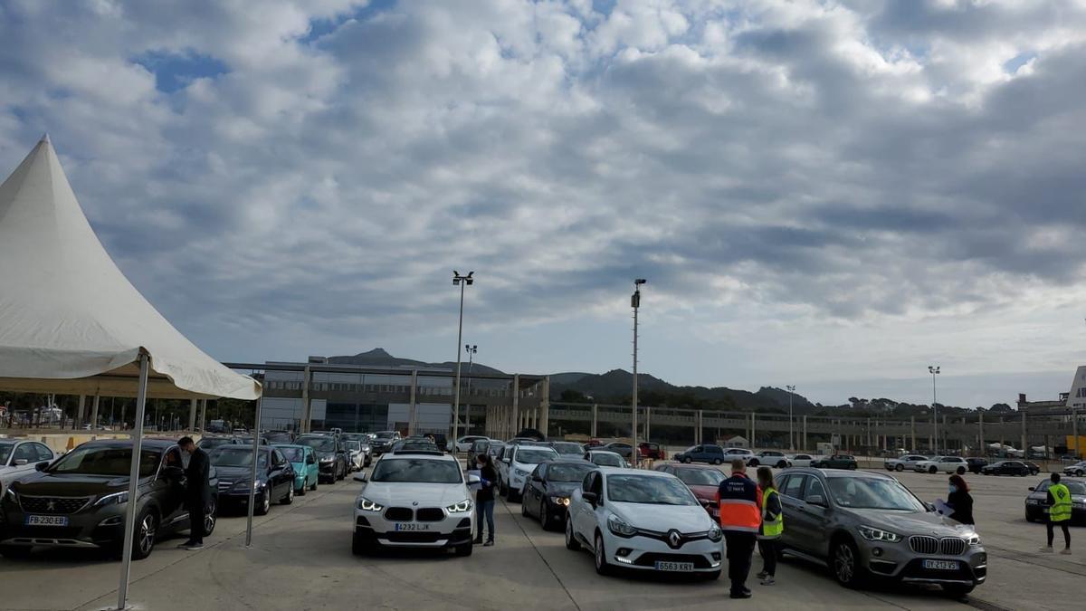 Control de Sanidad Exterior en el puerto de Alcúdia.