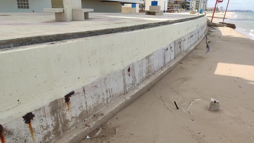 Bellreguard instalará una barandilla provisional para garantizar la seguridad en la playa este verano