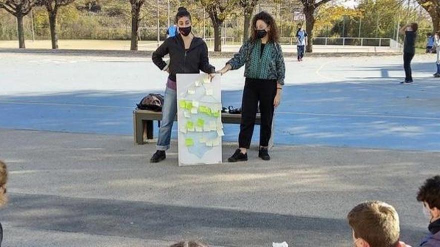 Estudiants de Berga reben formació contra la violència masclista per part de Creu Roja Joventut
