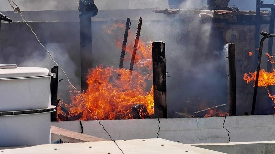 Incendio en una casa de Castillo del Romeral