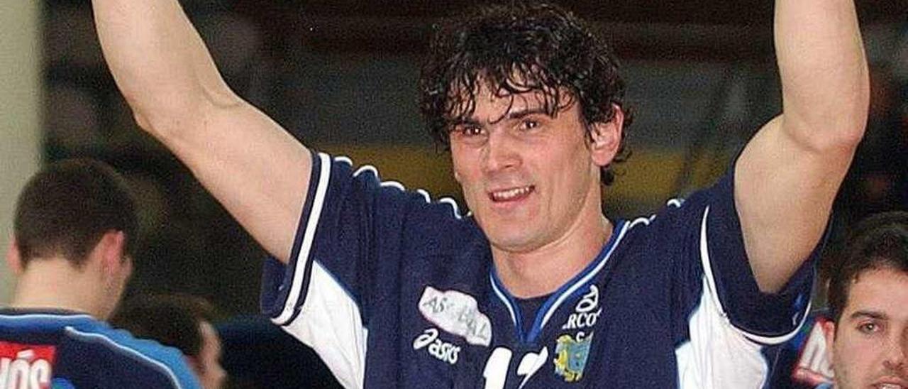 Alen Muratovic en su primera etapa en Cangas, en 2004. // Miguel Núñez