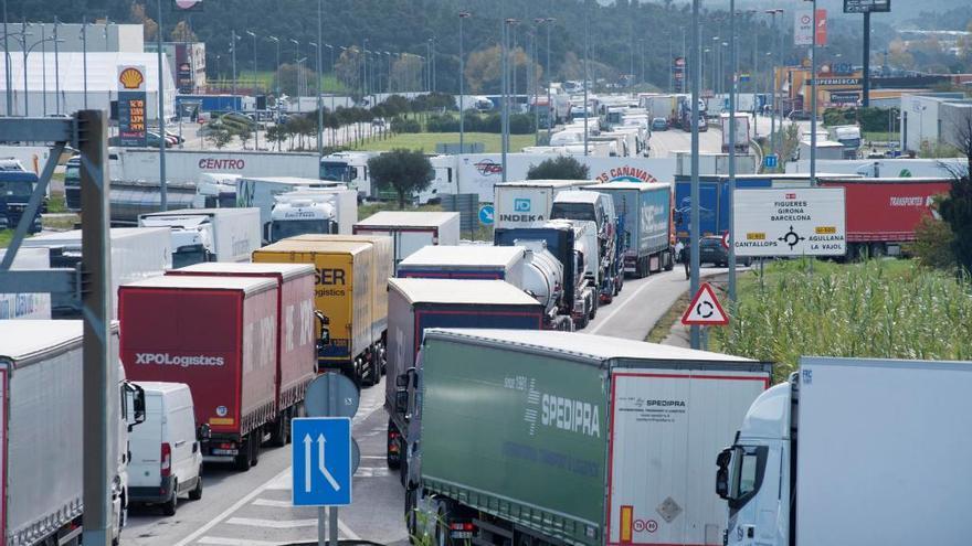 La Audiencia de València condena  a empresas del cartel de camiones