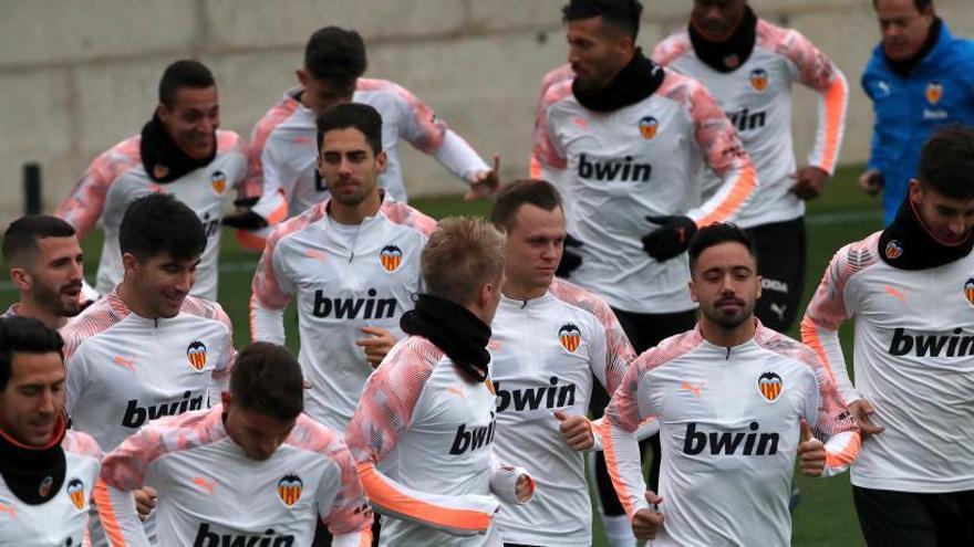 El Valencia CF también entrena la  cabeza