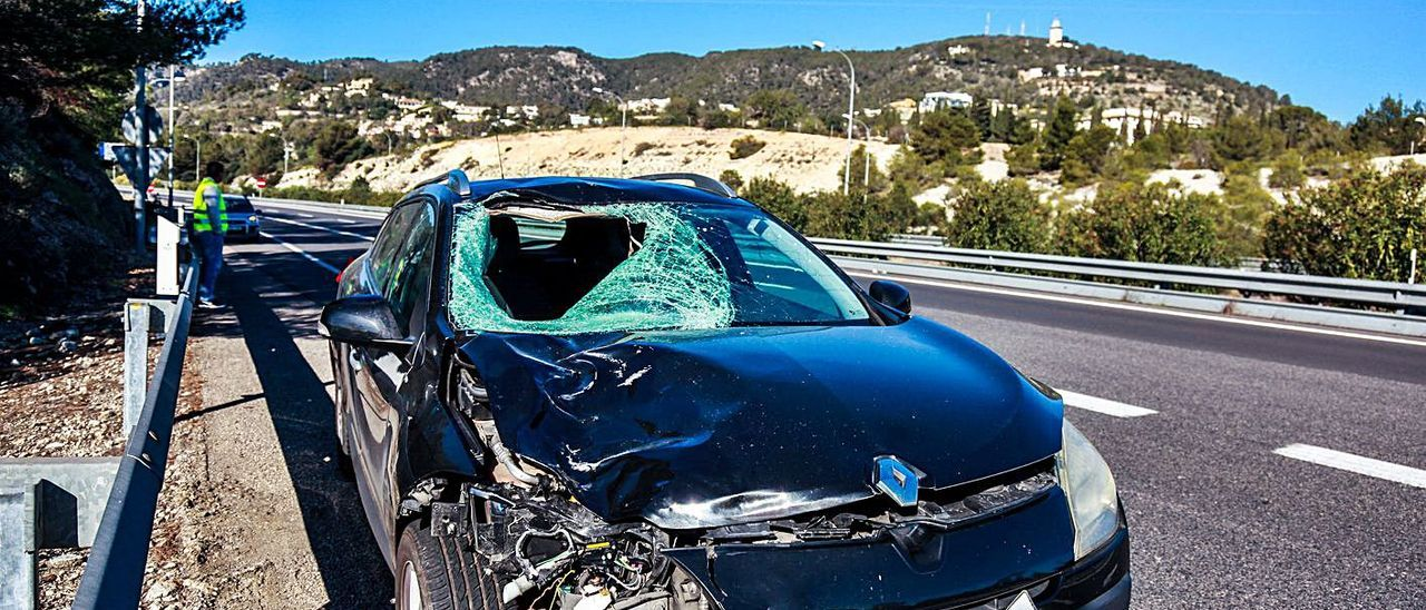 Coche que atropelló mortalmente a un peatón en la autopista de Andratx en febrero.