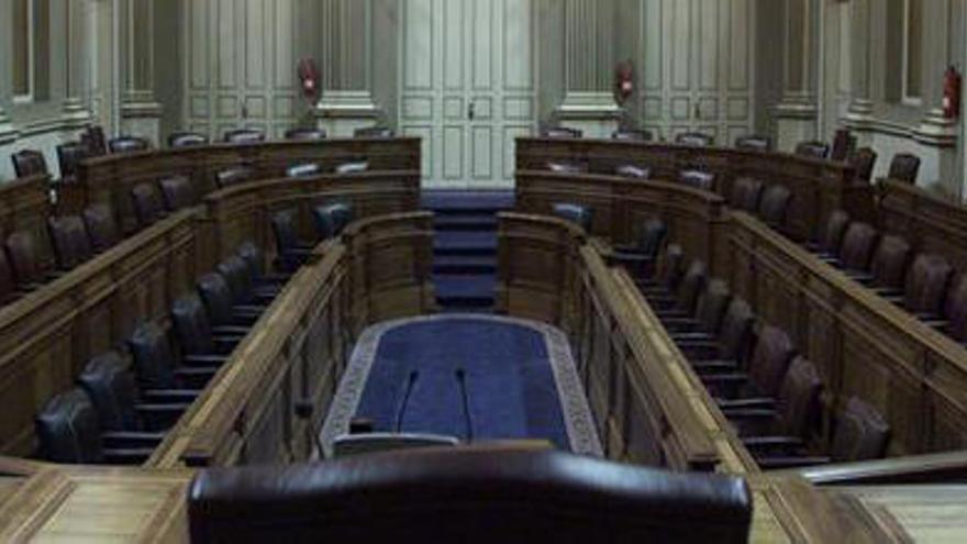 El BOC hace oficiales las candidaturas al Parlamento de Canarias