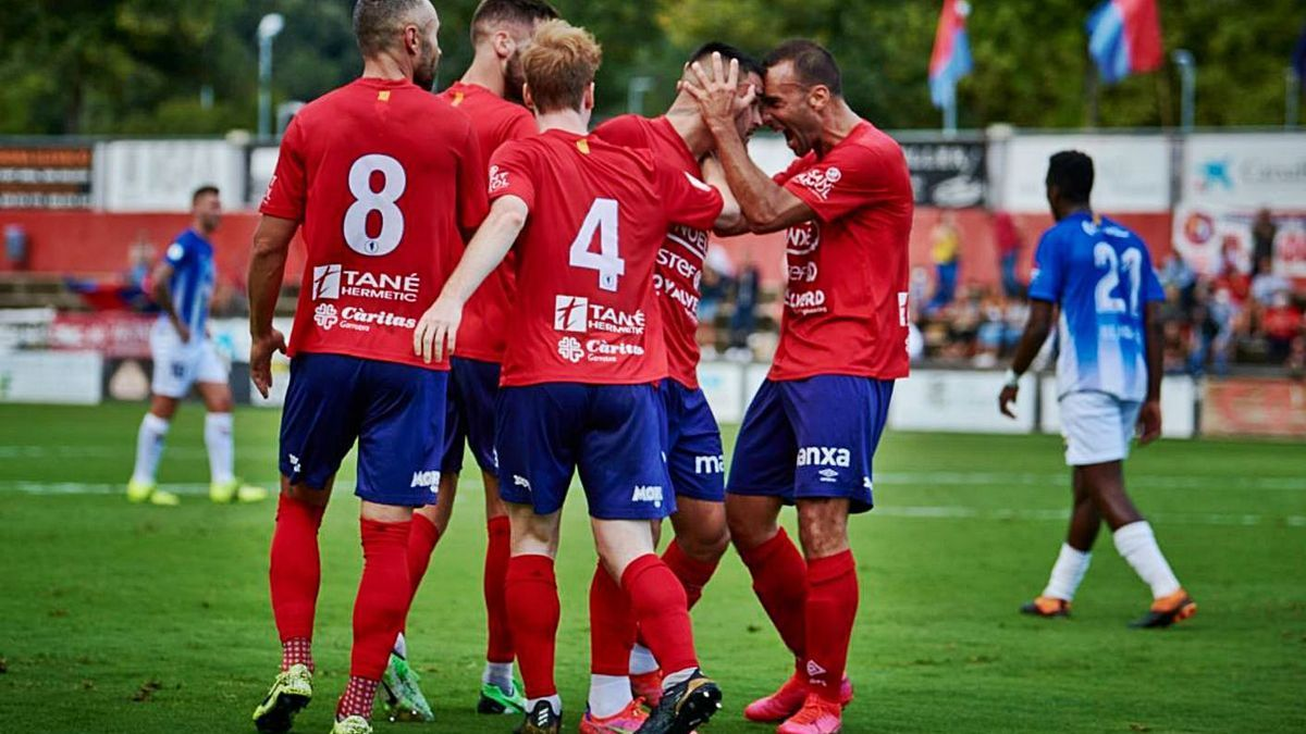 L'Olot celebra un gol contra el Figueres d'aquesta temporada. | UE OLOT