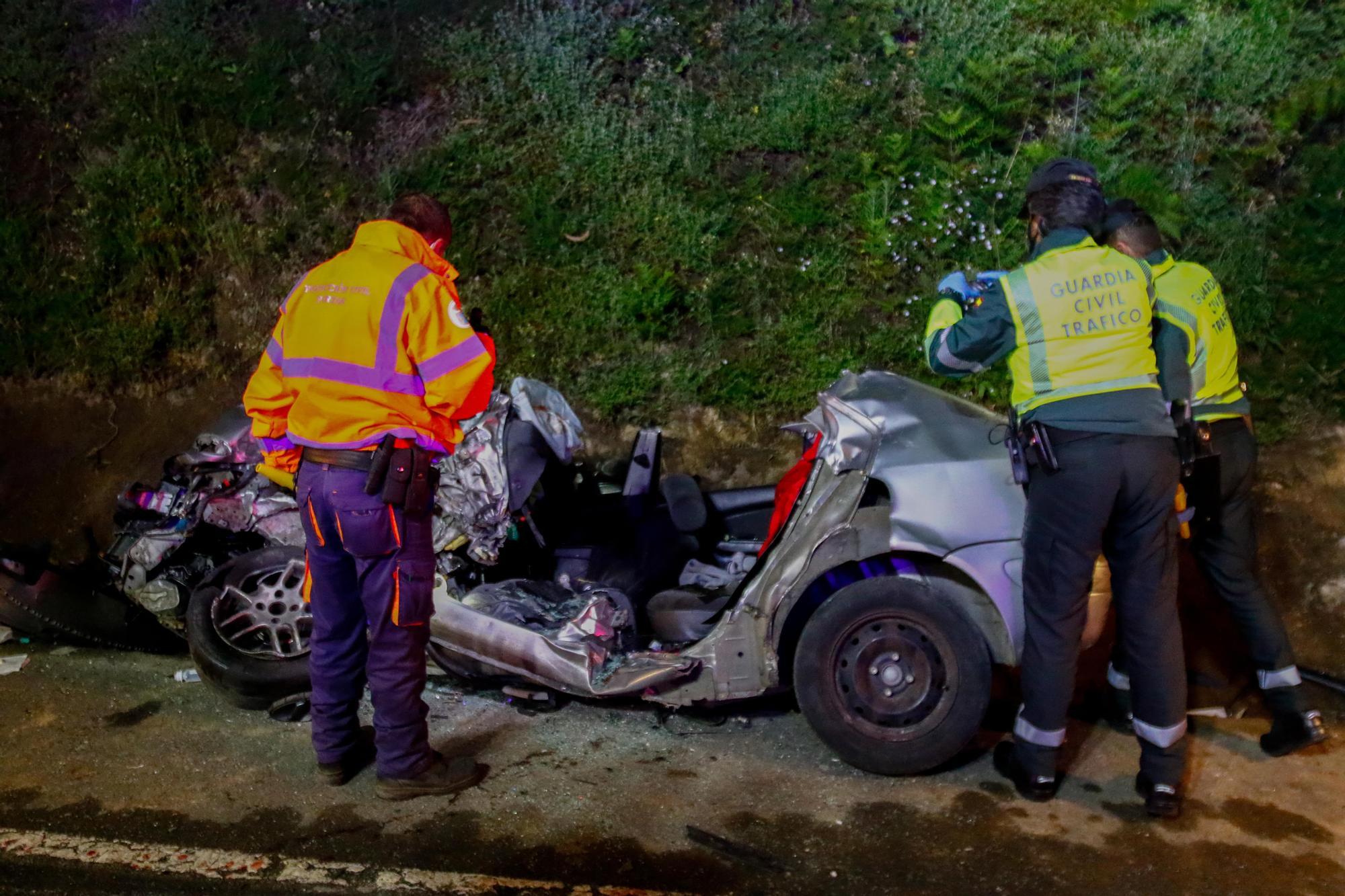 Las imágenes de la tragedia en Caldas | Tres muertos en un accidente de tráfico