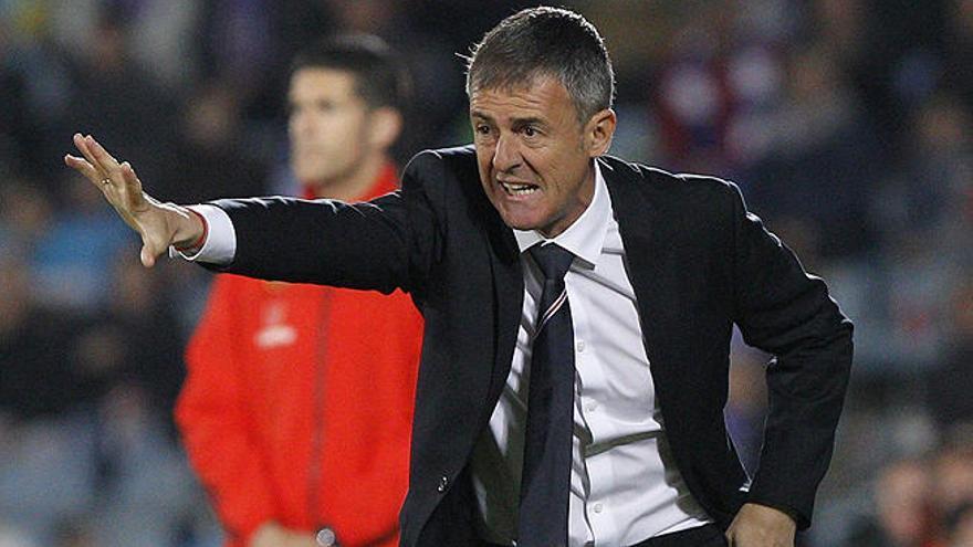 El Elche anuncia el fichaje de Lucas Alcaraz por dos temporadas