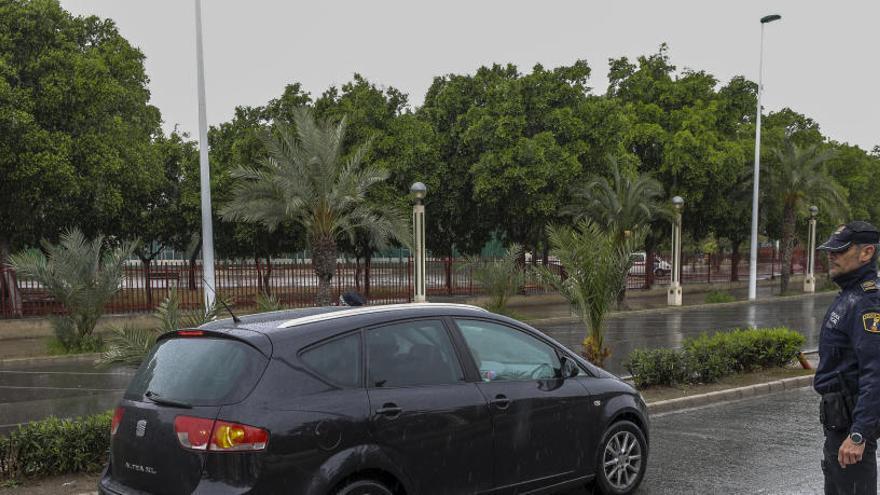 El Ayuntamiento critica a los irresponsables: 288 nuevas sanciones y tres detenidos más