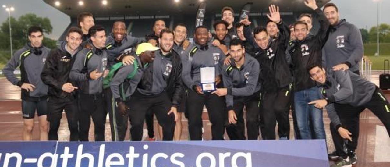 El equipo masculino logró la medalla de bronce en la edición del año pasado.