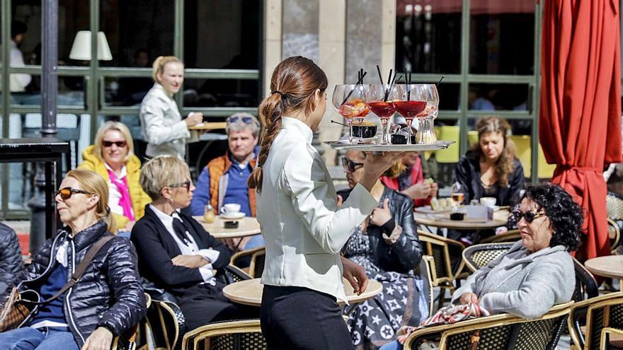 Los trabajadores de hostelería y comercio de Baleares decidirán cuándo cobrarán la subida salarial de junio
