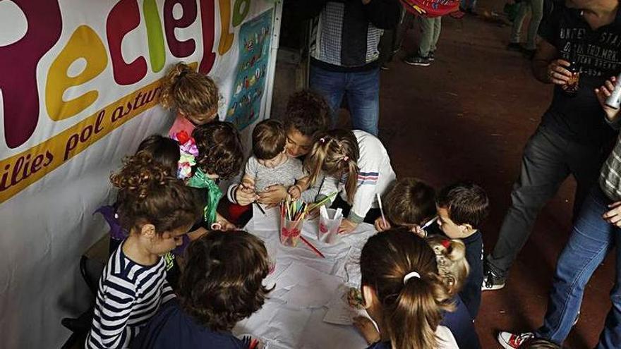 """El Muséu del Pueblu d'Asturies acueye la VIII edición del alcuentru añal de """"Reciella"""""""