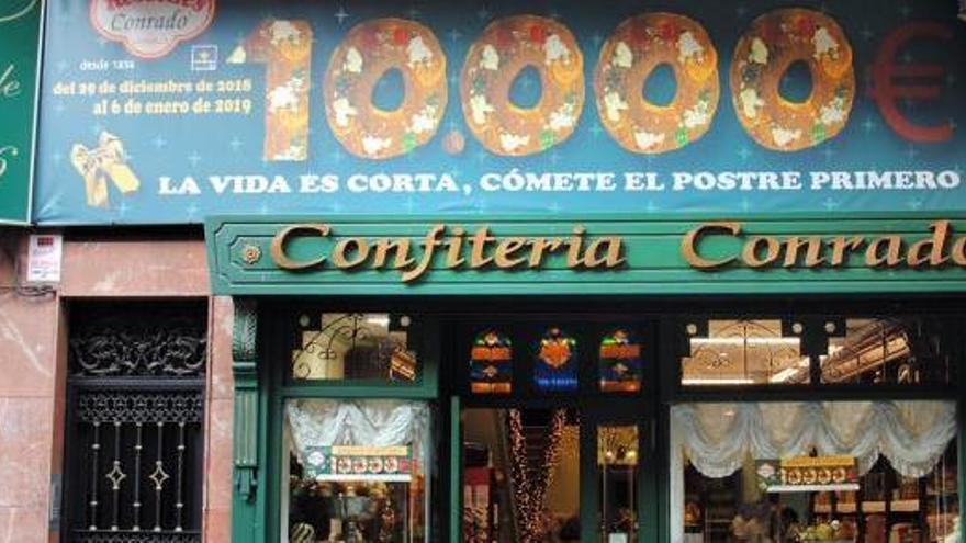 Una confitería de León esconde 10.000 euros en un roscón