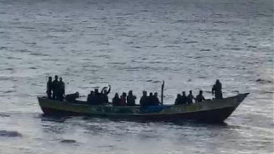 Mauritania intercepta una patera con 60 emigrantes rumbo a Canarias