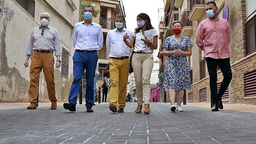Los vecinos de La Alberca recuperan la calle Saavedra Fajardo