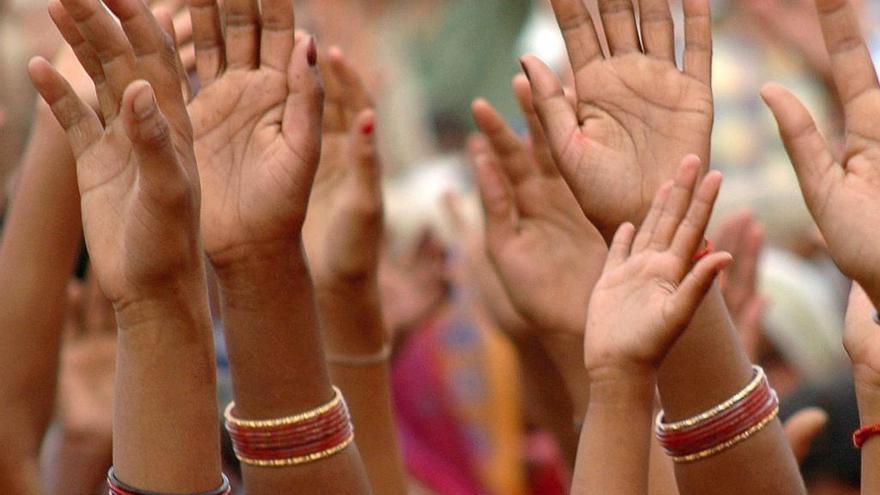 Afeitan la cabeza a dos mujeres por resistirse a una violación grupal en la India
