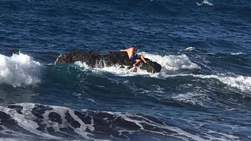 Un bañista, rescatado por un helicóptero en La Gomera