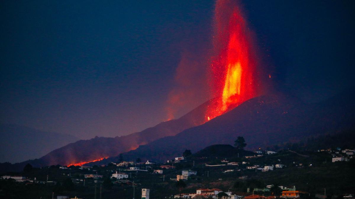 El volcán de Cumbre Vieja en La Palma, a 27 de septiembre en Las Manchas, La Palma