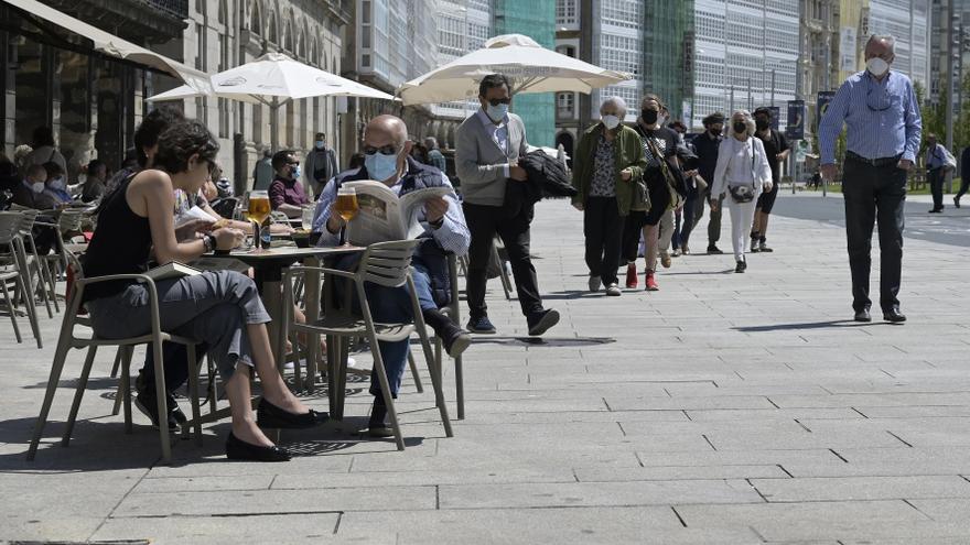 Siete ciudades gallegas cierran el ocio nocturno y piden certificados covid en hostelería