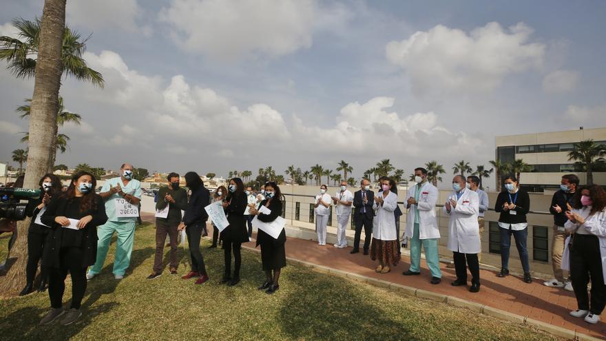 Sanidad inicia el trámite de creación una empresa pública que asuma el departamento de Torrevieja