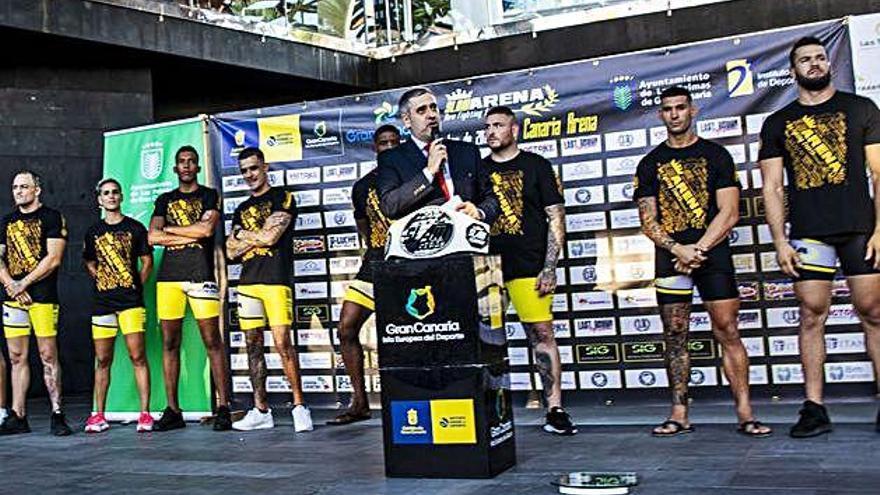 Los 'gladiadores' se citan en la jaula del Gran Canaria Arena