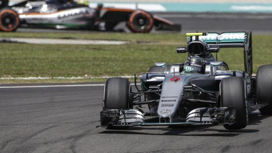 Hamilton y Rosberg dominan los libres; Fernando Alonso, séptimo
