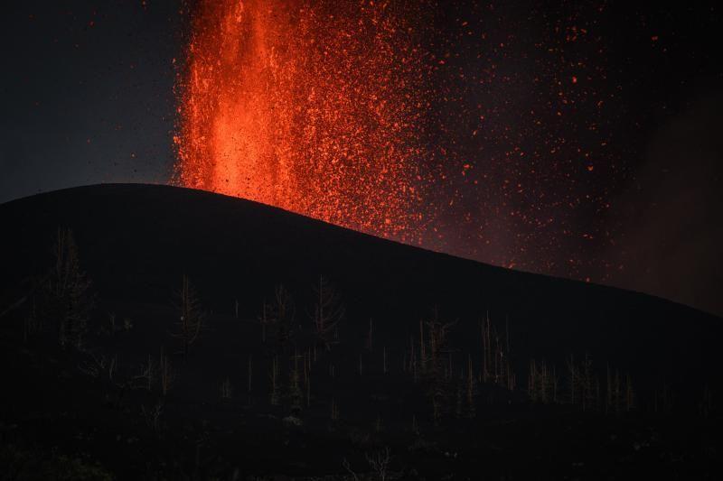 Volcán en Canarias: La lava sigue saliendo (4ºdía)