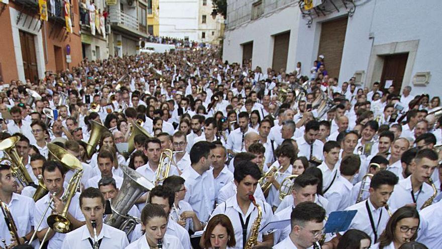 Festers convoca a las comparsas para decidir si habrá Moros i Cristians