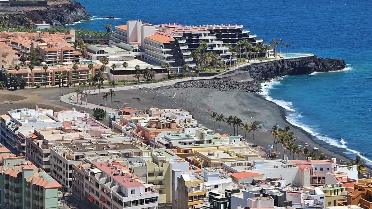 Nucleo turístico de Puerto de Naos, en la costa de Los Llanos de Aridane.