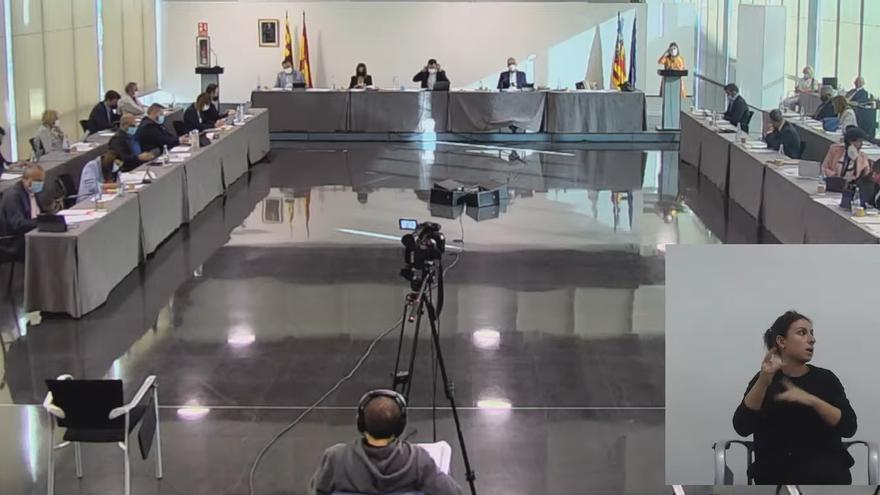 La financiación injusta, enésima excusa en el pleno de Elche para zambullirse en los reproches