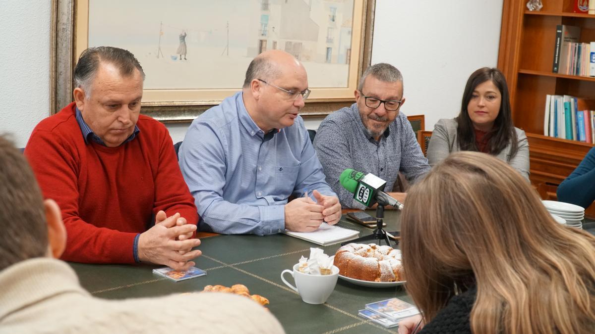 Alemany, el alcalde Andreu Verdú y Castiñeira en una foto de archivo.