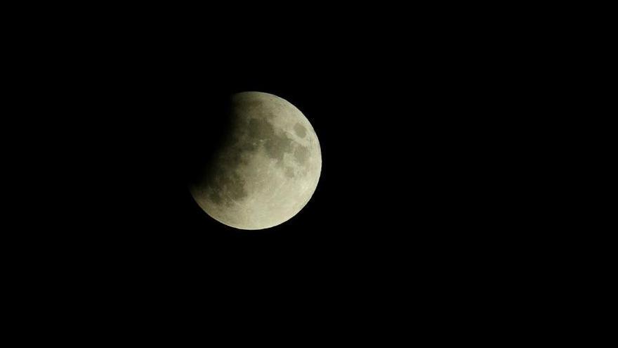 Un eclipse, una superconjunción y lluvia de estrellas para terminar el año