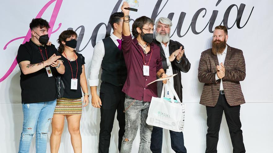 El cordobés Juan Aguilar gana los Premios Peluquería Creativa de Andalucía