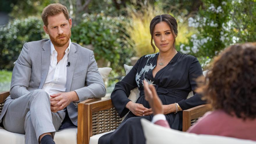 Meghan y Enrique durante su polémica entrevista con Oprah Winfrey