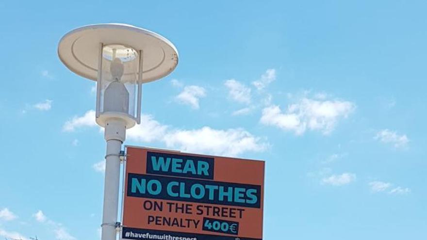 400 Euro Strafe für Nackedeis: neue Warnschilder in Magaluf