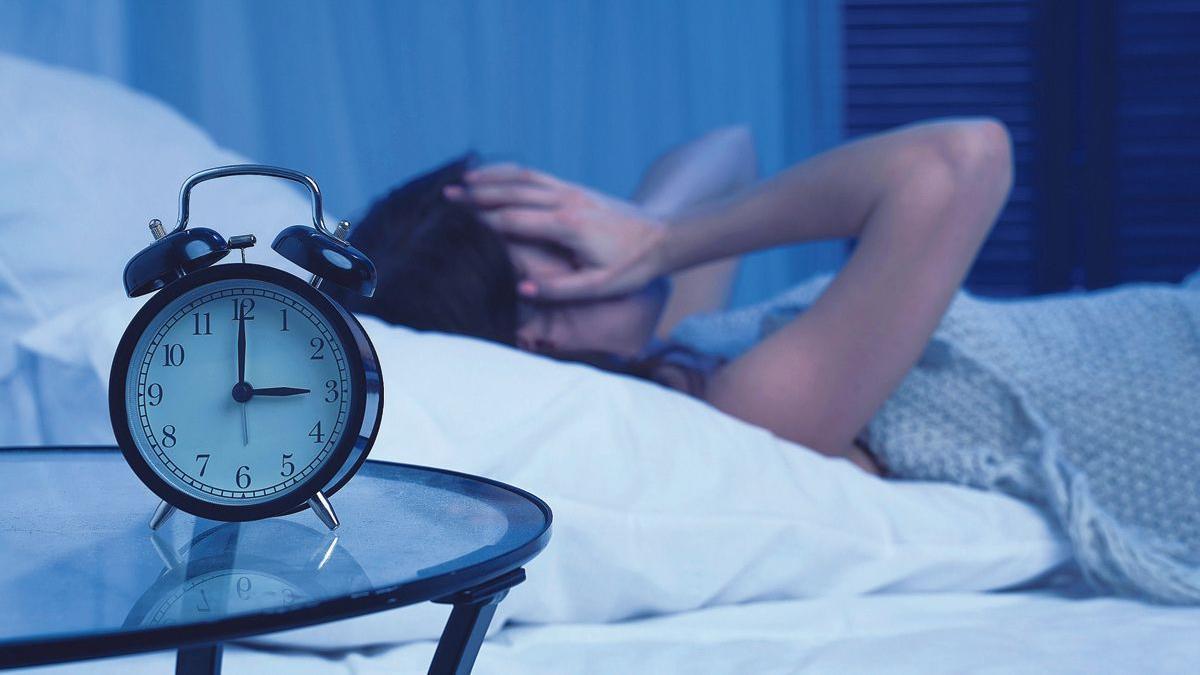 Una mujer no puede conciliar el sueño