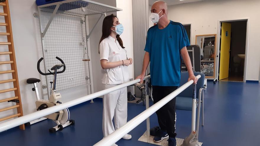 El Hospital Universitario de Torrevieja advierte de secuelas como fatiga, dolor, parálisis e incapacidad funcional después del Covid