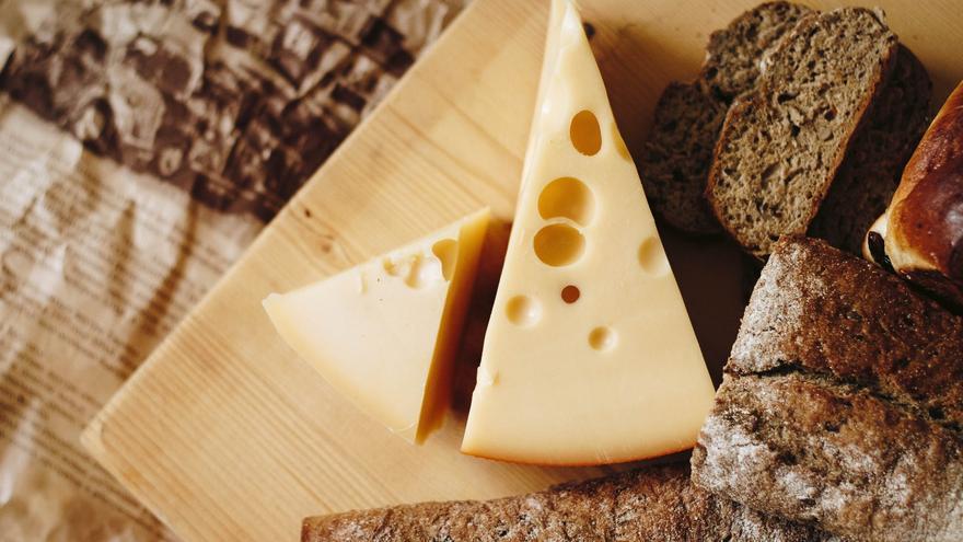Retiran de los supermercados de España una marca de quesos contaminados por Listeria