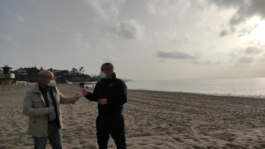 Mijas retira 4.000 toneladas de cañas que Filomena arrastró a sus playas