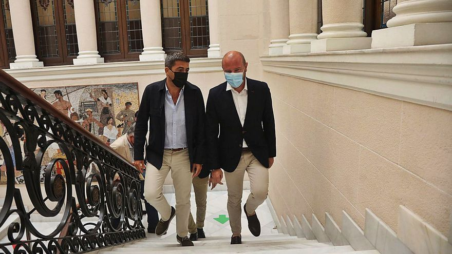 Gaspar y Mazón acercan posturas y defienden el papel de las diputaciones
