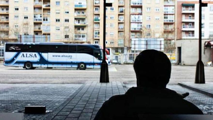 """El transporte de viajeros de Zamora ve """"inevitable"""" una subida del billete si existen peajes"""