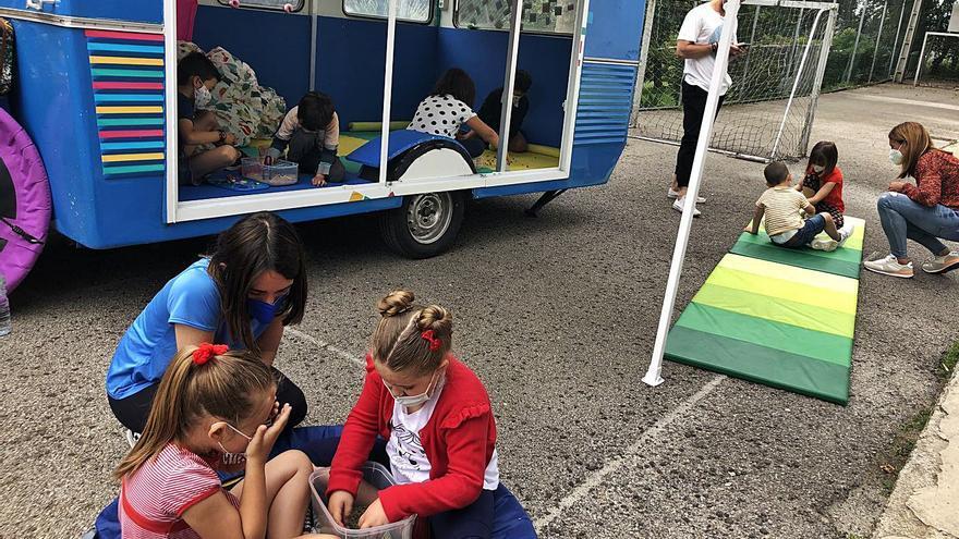 """Una caravana itinerante """"pasa consulta"""" en las escuelas rurales para detectar problemas de desarrollo"""