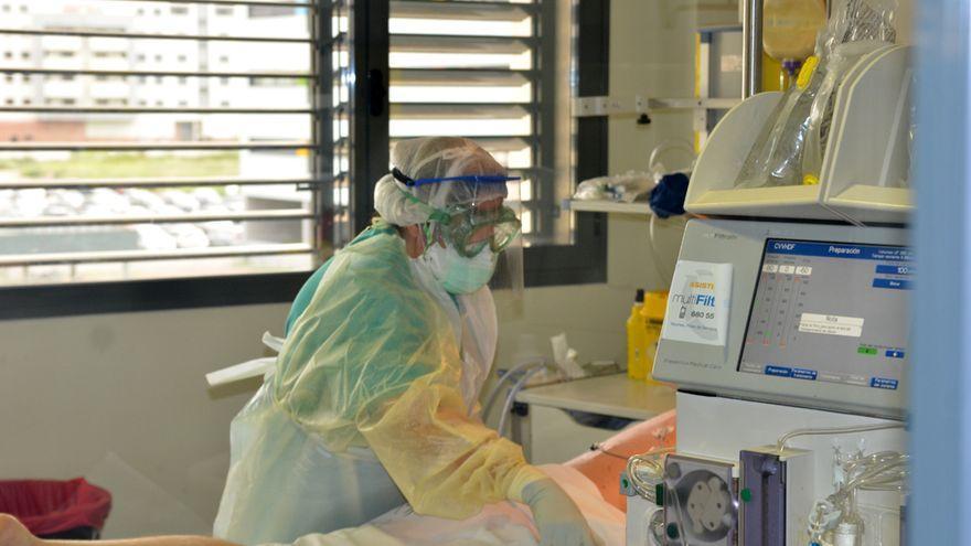Más de 400 andaluces de 20 a 29 años han requerido hospitalización por el covid desde marzo