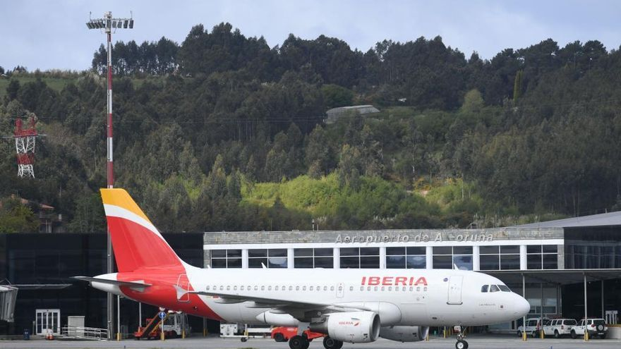 Air Nostrum retira 36 enlaces de Alvedro con Madrid entre diciembre y febrero