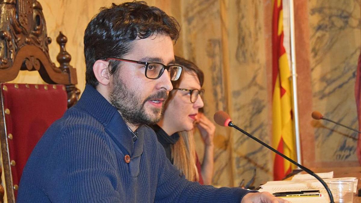 El regidor d'Hisenda de Berga, Marià Miró, en una sessió plenària